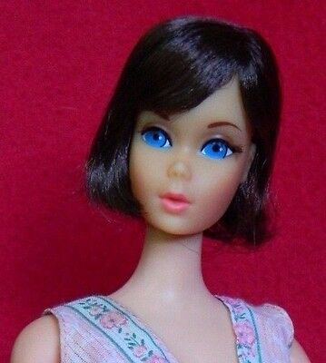 VINTAGE MOD HAIR FAIR BRUNETTE BARBIE DOLL CENTERED EYES w/ SLEEPY SET OUTFIT