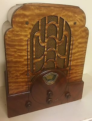Stewart Warner R 1271A - RARE Tombstone - Beautiful Radio