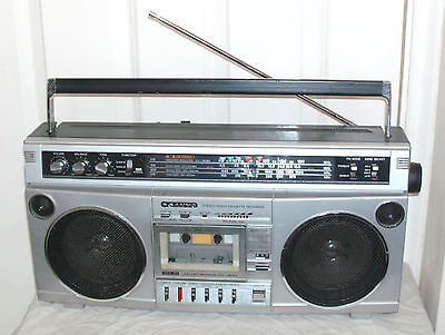 Vintage Sanyo Stereo Cassette Recorder Ghetto Blaster In Fairly Good Condition