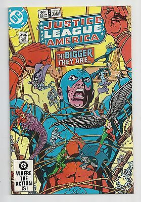 Justice League Of America #215 : Very Fine 8.0 : First Print