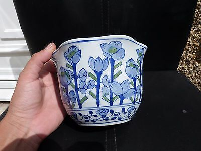 Small Chinese White Blue Green Pot