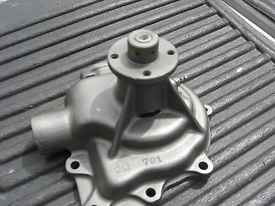 1946 -1950 Chrysler, Imperial 8cly water pump