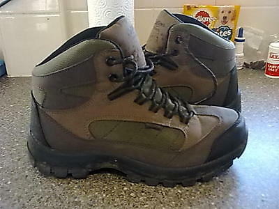 MENS//WOMENS. COTTON TRADRS walking/hiking boots size uk.6.  VGC