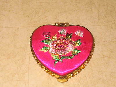New Compact Makeup Cosmetic Mirror - Heart Shaped - Pink