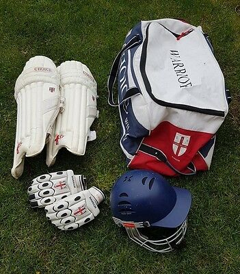 Youth Cricket Equipment, very good condition - Helmet, Pads, Gloves & Bag