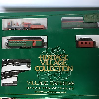 Dept 56 Heritage Village Express HO Scale Train and Tracks Complete NICE!