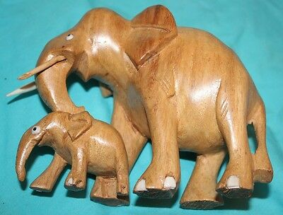 Rare Vtg Hand Carved Wood Elephant Mother &  Baby Carving  one piece 6-1/8""