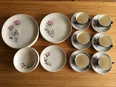 'SONATA' Pat. 814 By Crown Lynn New Zealand 1965-1975 Dinner Tableware Set for 6