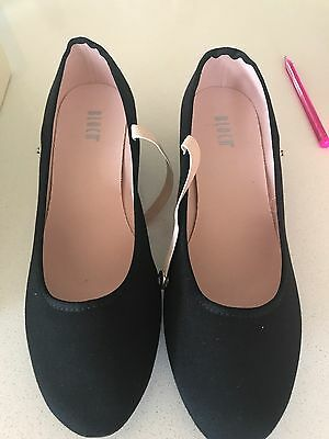 Bloch Girls Character Shoes - Size 8.5 As New