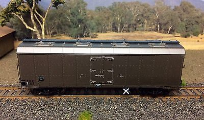 Ho Scale On Track Models TRC