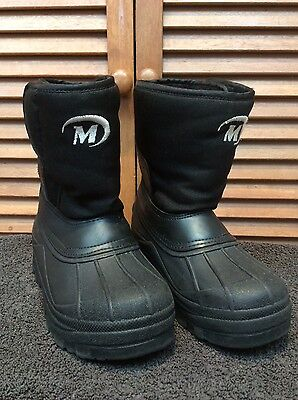Kids size 13 snow boots