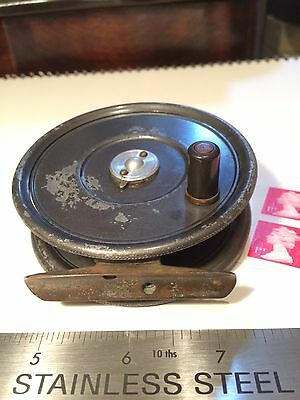 Vintage Hardy bros. 'THE UNIQUA' Trout Fly Reel. 3,3/8''. Good Used Condition.