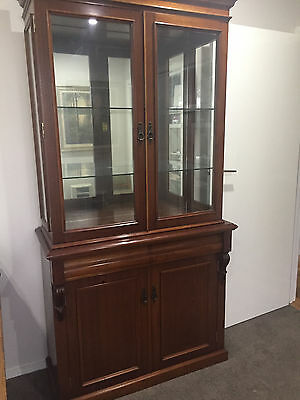 Beautiful Solid Mahogany Victorian Bookcase/Display Cabinet /Buffet Hutch