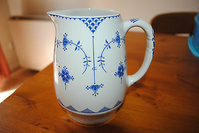 BLUE AND WHITE DENMARK FURNIVALS LIMITED 15cm JUG