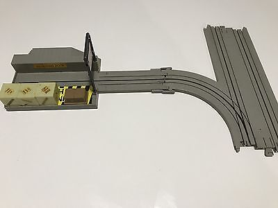 1:64 TYCO Grey Turnout Track & Building Very Good Condition No.B3016 & No.3460