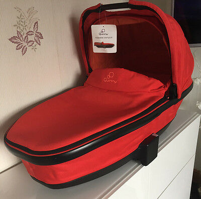 Quinny Foldable Carrycot Red Revolution,moood buzz etc latest model not a dreami
