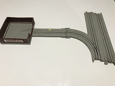 1:64 TYCO Grey Turnout Track & Building Very Good Condition No.B3016 & No.3440