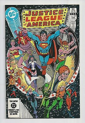 Justice League Of America #217 : Very Fine 8.0 : First Print