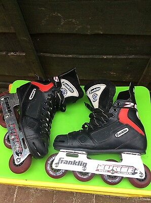 roller hockey boots