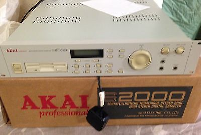 Akai S2000 Professional Midi Stereo Digital Sampler - Ex Condition