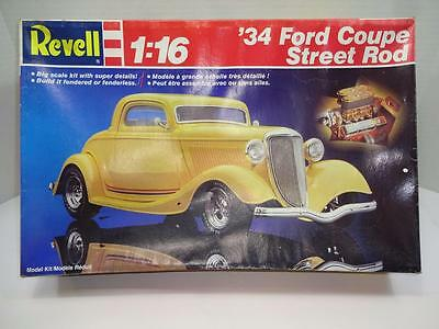 Revell 34 Ford Coupe Street Rod. Large  1/16Th Scale.