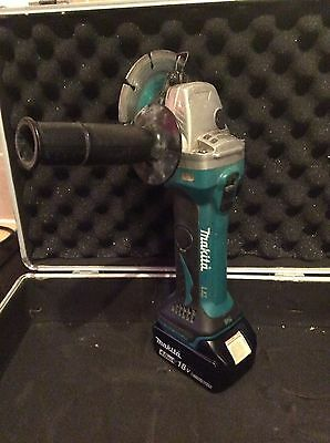 Makita DGA 452 18V LXT Cordless Angle Grinder With 4.0ah Battery