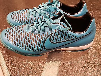 Nike Magista KIDS  Indoor Soccer Shoes Size US 7 Sneakers/Runners
