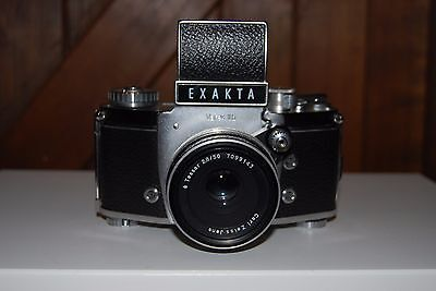 Vintage EXAKTA VAREX IIb 35MM SLR with Zeiss Tessar 50MM Lens and Leather case