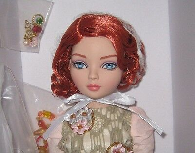 Tonner Ellowyne Wilde Does This Make Me Look Too Happy Doll  NRFB LE 300