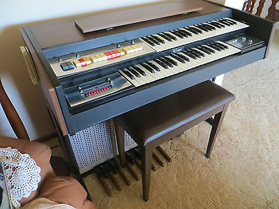 electric organ  URGENT SALE