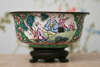Antique Chinese Enamelled Figural Bowl