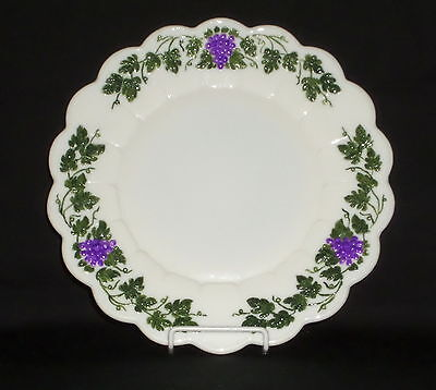 "Westmoreland PANELED GRAPE W/ DECORATION *10 1/4"" DINNER PLATE*PG81"