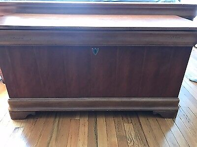 NATIONAL MT AIRY Vintage Traditional Solid Wood Chest