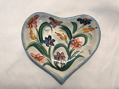 Gail Pittman 2000 Heart shaped  dish flower pattern signed dated