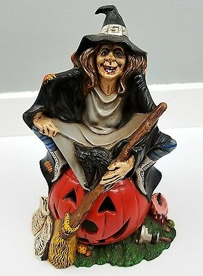 Vintage 1972 Byron Ceramic Witch w/Pumpkin Mold Halloween Lamp