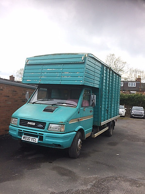 Horse Box Iveco 2.3 MPI Turbo Diesel long test 6 tonne