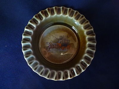 Wade Co Armagh Irish Porcelain Ashtray Pie Crimp Edge Horse Drawn Carriage Stage
