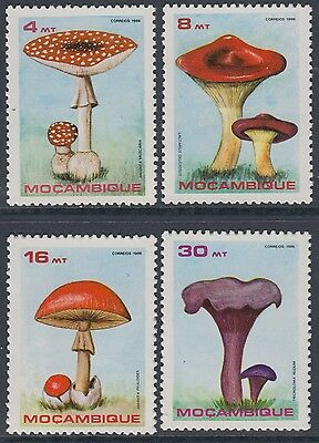 XG-AN934 MOZAMBIQUE IND - Mushrooms, 1986 Nature, 4 Values MNH Set