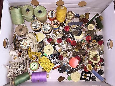 Mixed Lot Vintage Sewing And Button Items