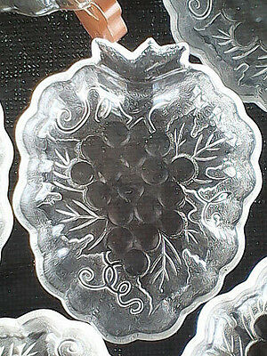 Grapes Grape Cluster Plate Set Frosted Embossed Glass Of Eight (8) 7 X 5 1/2 Vtg