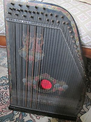 anciene cithare GUITARR ZITHER  fabrication  allemande,avec partitions