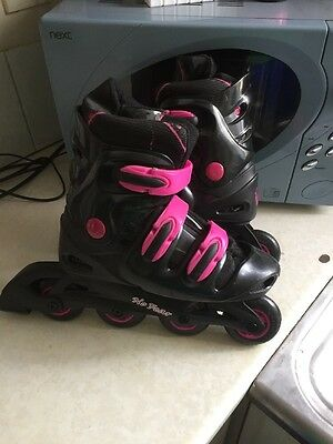 A Pair Of Ladies-girls NO FEAR Inline Roller Blades In Vgc Uk Adjustablesize 5-8