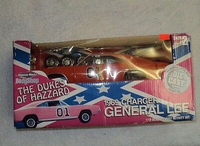 Dukes Of Hazzard General Lee Model 1/18 Dodge Charger 1969 Die Cast Kit 01 Ertl