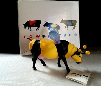 Cow Parade Collectible Cows, Bumble Bee Cow, 2001 Retired  #9135 orig. box & tag