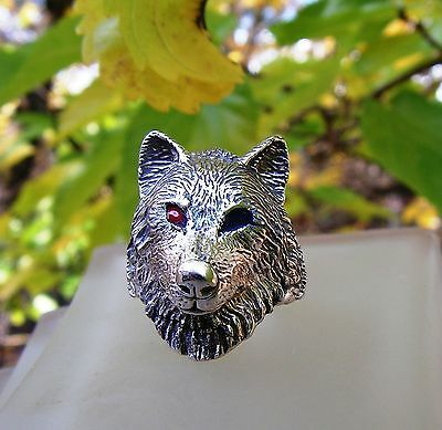 Sterling Silver Timber Wolf Ring With Red  And Blue Eyes In Sizes 4-13