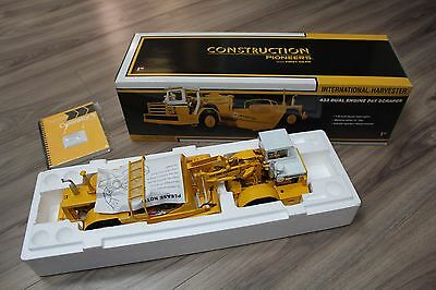 First Gear Diecast 1:25 433 Dual Engine Pay Scraper Construction Pioneers