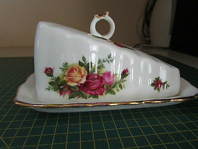 Royal Albert Old Country Roses Cheese Wedge in box