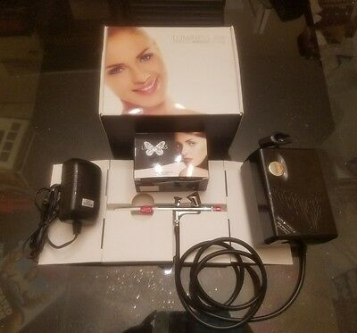 Luminess Air Signature Airbrush System with Makeup Starter Kit ,Tested/Works