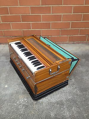 1960s VINTAGE ANTIQUE RETRO TABLE-TOP ORGAN ~ PIANO ACCORDION *UNKNOWN BRAND*
