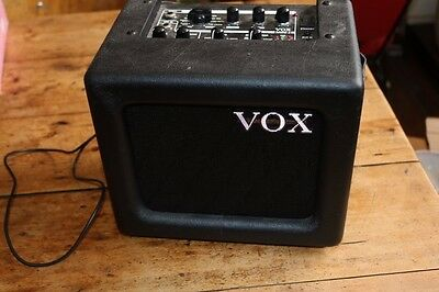 Vox MINI3 small practice Amp / Amplifier for guitar with effects (& mike input)